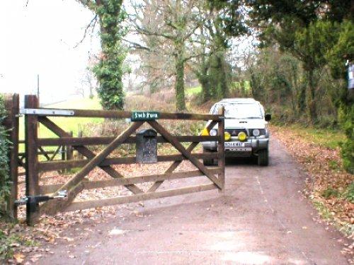 Solar electric gates powered uk